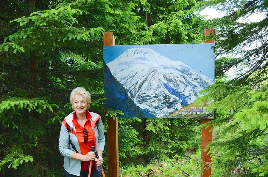 Helene Maria Schorn bei dem Bild des Achttausenders Dhaulagiri, Himalaya